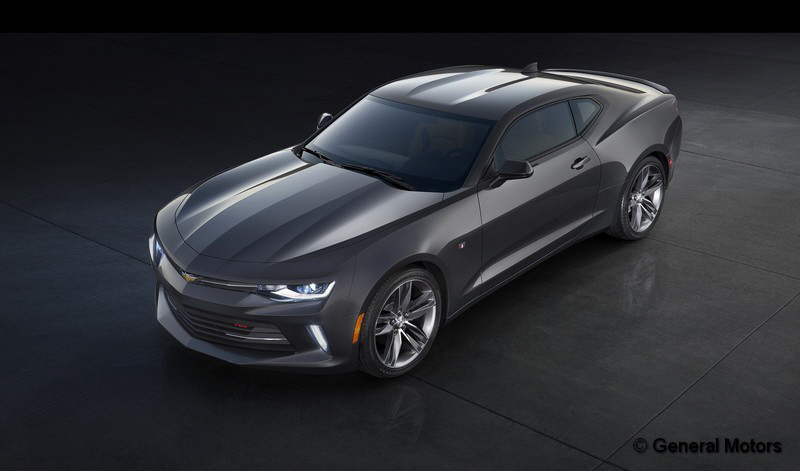 2016-Chevrolet-Camaro-RS-001